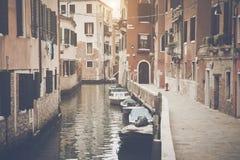 Canal en Venecia Italia Fotos de archivo libres de regalías