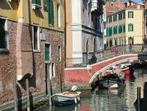 Canal en Venezia, Italia Fotos de archivo libres de regalías