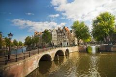 Canal ensoleillé d'Amsterdam Image stock
