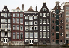 Canal et maisons d'Amsterdam Image stock