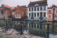 Canal et vélos à Gand Image libre de droits