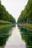 Canal fluvial imagen de archivo