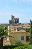 Canal francês velho du midi da vila de Capestang, france Imagens de Stock Royalty Free