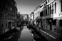 Canal grand de Venise en noir et blanc Images libres de droits