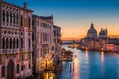 Canal grande na noite, Veneza fotos de stock royalty free