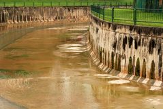 Canal grande no lado da cidade Imagens de Stock