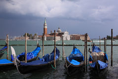 Canal magnífico de las góndolas de Venecia Imagen de archivo