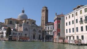 Canal magnífico en Venecia almacen de video