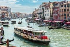 Canal magnífico en Venecia Italia imagenes de archivo