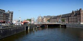 Estação de caminhos-de-ferro central - Amsterdão, os Países Baixos Foto de Stock