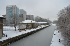 Canal Nevado después de la tormenta del invierno en Boston, los E.E.U.U. el 11 de diciembre de 2016 Fotos de archivo libres de regalías