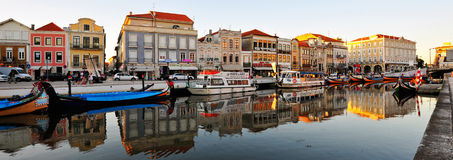 Canal paisible, Aveiro, Portugal image stock