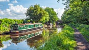 Canal résidentiel de Narrowboats, de Worcester et de Birmingham, Worcestershire images libres de droits