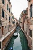 Canal típico de Venecia Fotografía de archivo libre de regalías