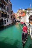 Canal típico em Veneza, Veneza, Vêneto, Itália Imagem de Stock