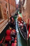 Canal típico em Veneza, Veneza, Vêneto, Itália Imagens de Stock
