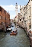 Canal veneciano imagenes de archivo