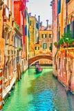 Canal veneciano el día soleado del verano foto de archivo