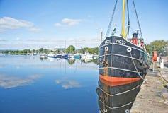 Canal y puerto deportivo caledonios Inverness de Muirtown. Fotos de archivo
