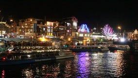 Canalboat в Амстердаме, Голландии сток-видео