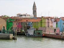 Canale del Burano variopinto Venezia Italia fotografie stock libere da diritti