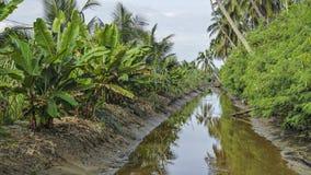 Canale del villaggio fotografie stock