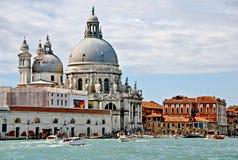 Canale Di Santa Maria della Salute della basilica e grandi immagini stock libere da diritti