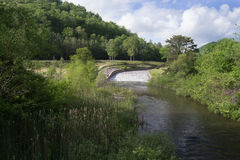 Canale di scarico del lago mountain nella Virginia, U.S.A. Immagine Stock