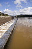 Canale di scarico nel bacino idrico di San Rafael de Navallana Fotografia Stock