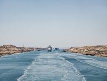 canale di Suez Vista da una fodera di crociera fotografie stock libere da diritti