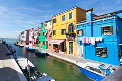 Canale di Venezia, isola di Burano fotografia stock libera da diritti