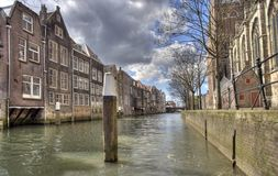 Canale in Dordrecht, Olanda Immagini Stock