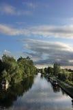 Canale e barche Cambridge, Regno Unito Immagine Stock