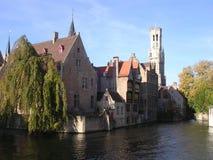 Canale e campanile. immagini stock libere da diritti