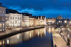 Canale Graslei nel centro di Gand nel Belgio Fotografia Stock