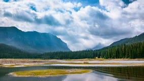 Canale navigabile della valle della montagna Fotografia Stock Libera da Diritti