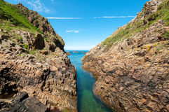 Canale navigabile naturale a Cudillero, Asturie, Spagna Immagine Stock