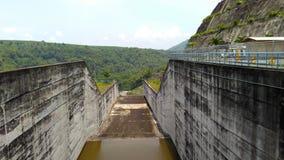 Canale nel bacino idrico Tulungagung di Wonorejo Immagini Stock