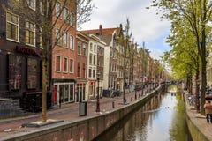 Canale nella città di Amsterdam Immagine Stock Libera da Diritti