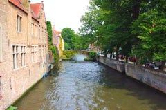 Canale nella città di Bruges fotografie stock