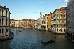 Canale nella città di Venezia Immagine Stock