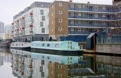 Canale nella citt? Canale dei reggenti Londra immagine stock