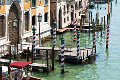 Canale Pali a strisce di Venezia Fotografia Stock