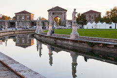 Canale sulla piazza del della Valle, Padova di Prato Fotografia Stock