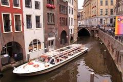 Canale Utrecht della barca turistica Immagine Stock Libera da Diritti