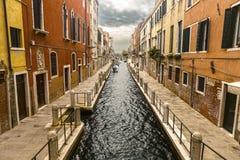 Canale veneziano variopinto Fotografie Stock Libere da Diritti