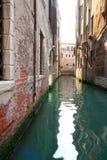 Canale veneziano vicino al quadrato di san Marco Fotografia Stock