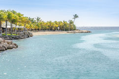 Canale vicino all'accademia dell'entrata e del delfino dell'acquario del mare del Curacao Immagine Stock Libera da Diritti