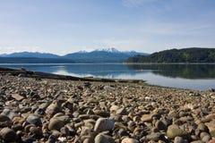 Canale Washington del cappuccio con le montagne olimpiche Immagini Stock Libere da Diritti