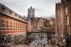 Canales de Gante, Bélgica imagenes de archivo